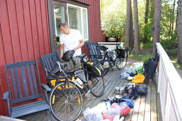 Det var mycket som skulle rymmas på ett par cyklar.
