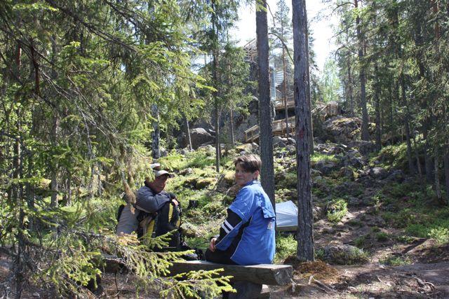 Vandringen avslutas vid Lostenen i Purmo. Finlands största flyttblock. 16m