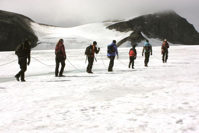 I lugn takt över glaciären.